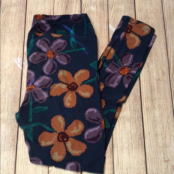LuLaRoe Pants - LulaRoe Tall and Curvy leggings floral